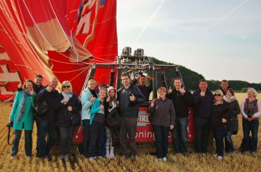 Kent Ballooning | Group shot on the ground